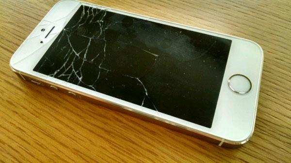 Khắc phục các lỗi smartphone gặp 'tai nạn' ngoài ý muốn