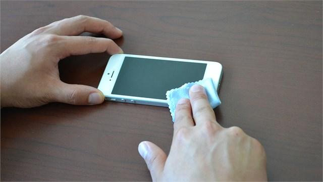 Xóa vết xước màn hình smartphone