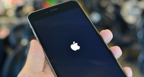iphone bị treo táo