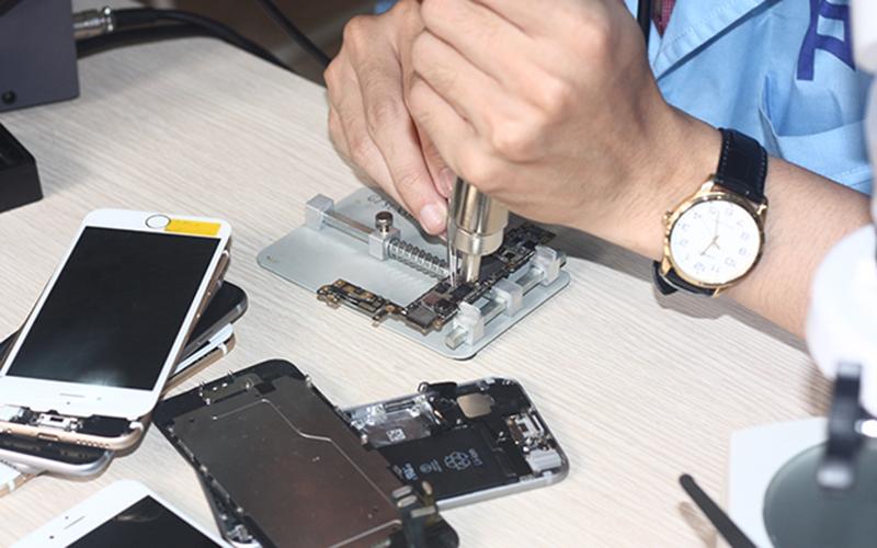 Iphone bị rớt nước, phải làm sao bây giờ?